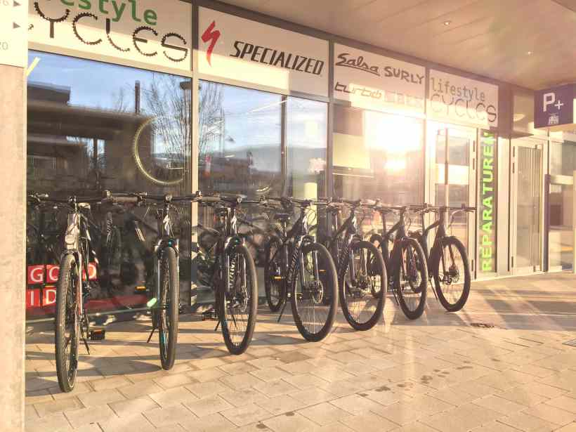 Lifestyle Cycles 2016 Specialized Turbo Schweiz Arlesheim Turbo S X FLR Kopie